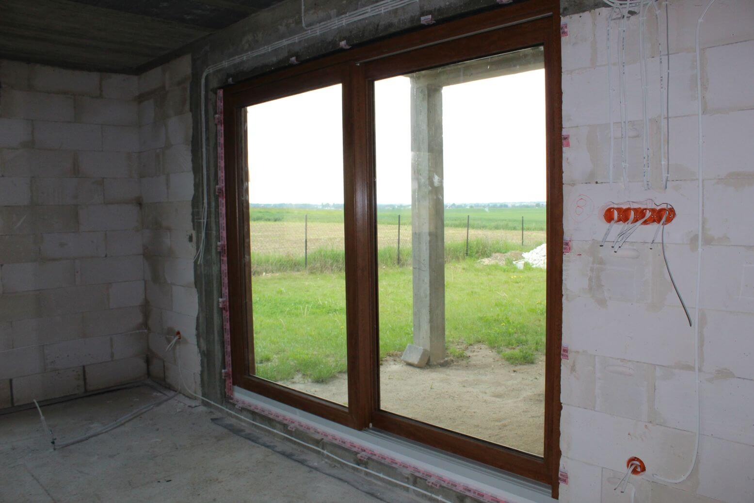 drzwi tarasowe w salonie