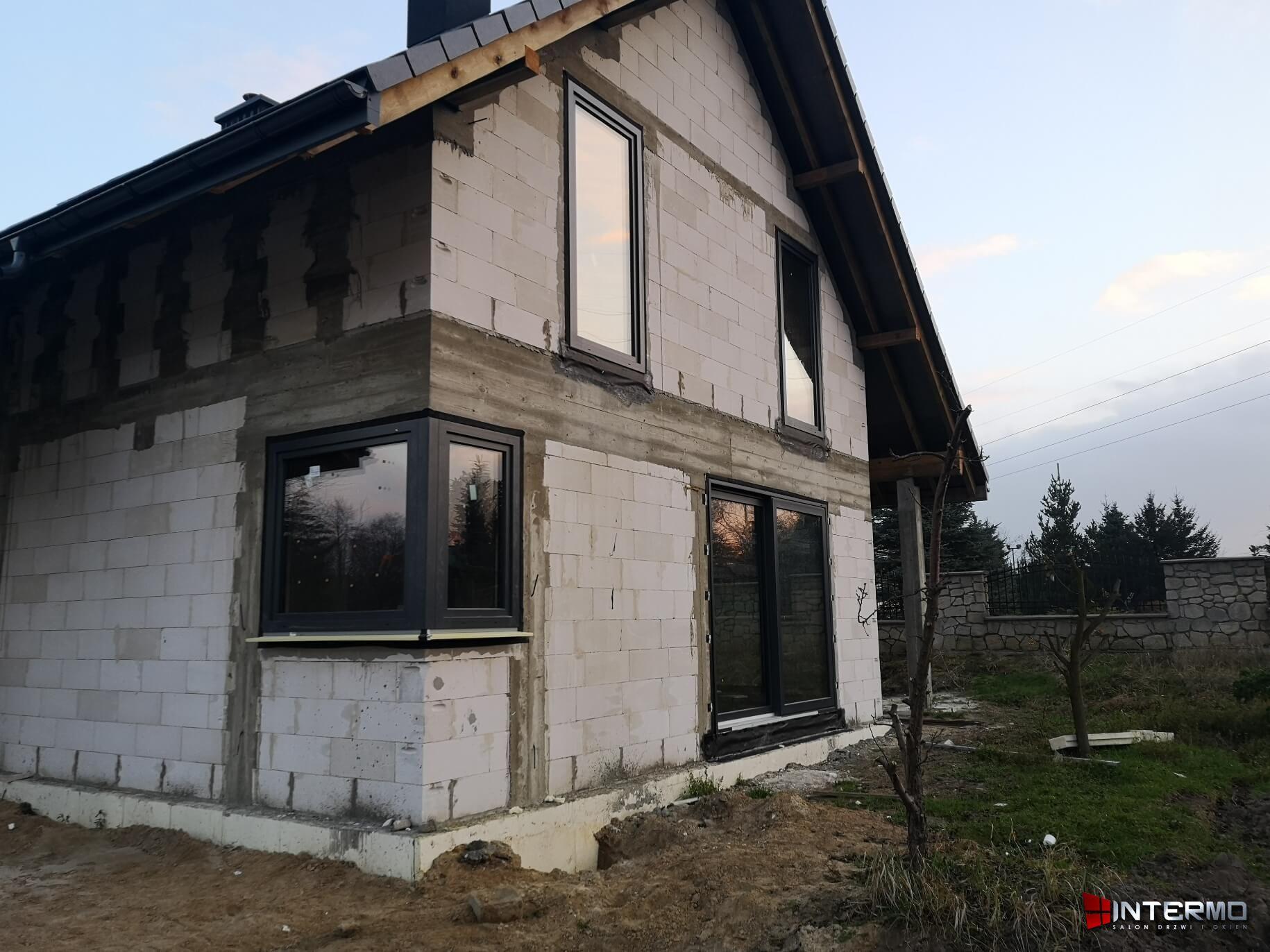 Okno narożne w domu